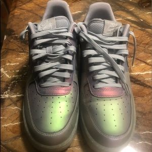 EUC Gray n iridescent low Air Force ones size 11